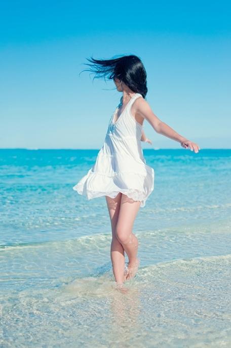 去海边穿什么好看 这样穿尽情享受海风吧