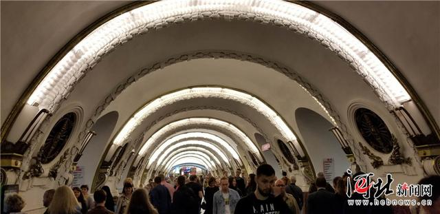 囧!圣彼得堡地铁的站台在哪?