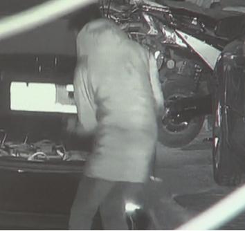三人合伙盗窃200余块电瓶 海淀警方一网打尽