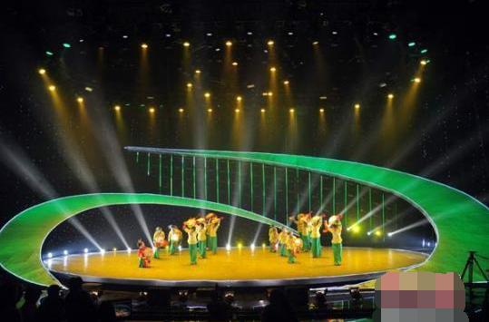 """赵州扇鼓:""""土味儿""""民间舞蹈走上国际舞台"""