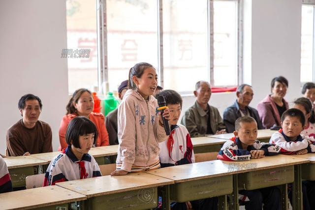 """大燕网""""爱上学""""前往康保捐助20个孩子"""