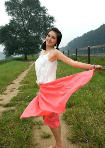 肖茵,1985年8月4日出生于河北承德,中国女演员
