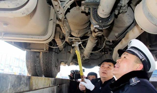 春运大幕下月开启 两次以上超员20% 车辆不得参加春运