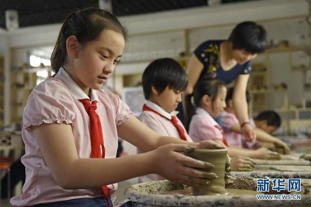 邢台:陶艺进校园