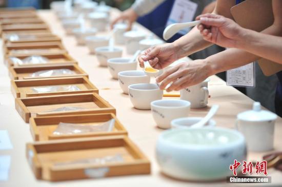 采购100公斤却卖出2000公斤的量 谁在炒作普洱茶?