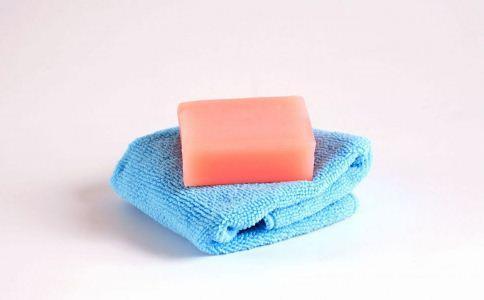 男人护肤误区有哪些 护肤注意事项有哪些 男人怎样买好护肤品