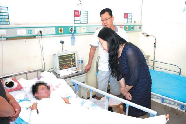 衡水十三中家长师生为遭遇不幸学子家庭捐款39万余元
