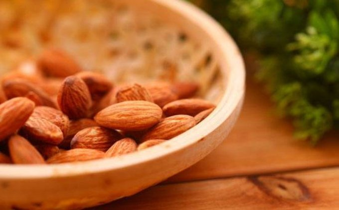 研究发现:适量吃坚果能够帮助减肥