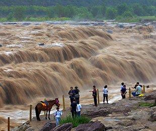 黄河壶口瀑布水量增多