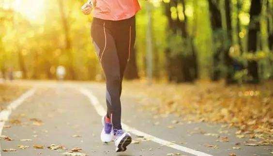 """预防衰老从""""腿""""上下工夫"""