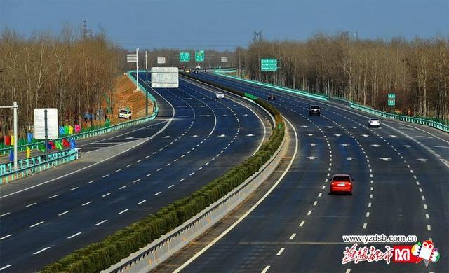 通车后的京港澳高速河北段,小客车、客车、客货车分道行驶及限速指