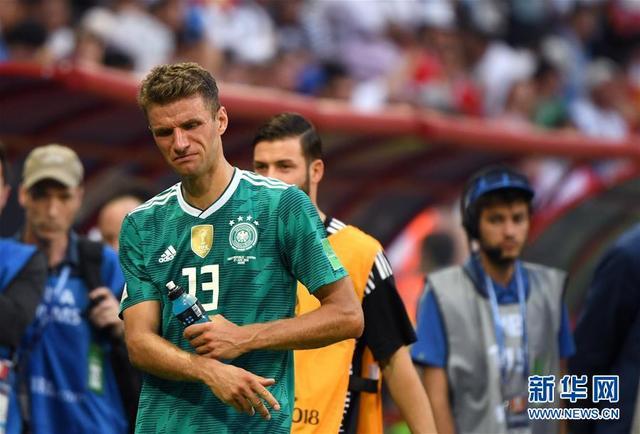 (世界杯·专题)(1)足球——巨星陨落