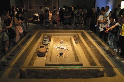 """5000年前""""山东大汉""""身高达1米9"""