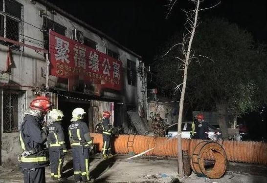 北京火灾致19人遇难 其中多个为河北人