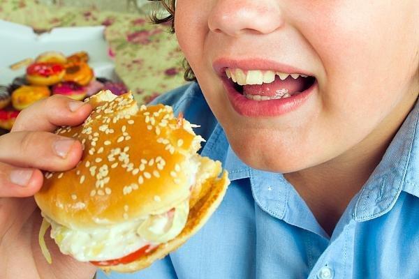 小胖墩频现 中国式喂养到底哪儿错了?