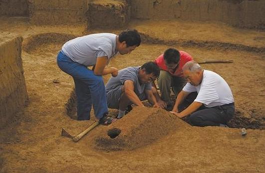 河北一地发现战国时期双室房屋遗址