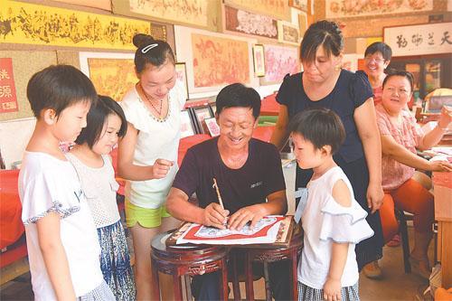 阜城剪纸至今已有200多年的历史