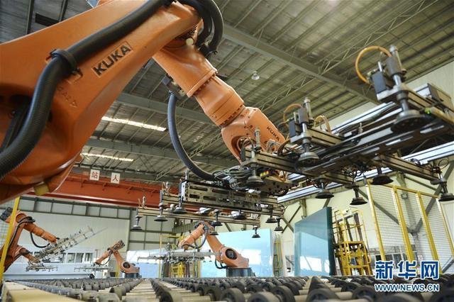 """(经济)(1)""""中国玻璃城""""的产业转型"""