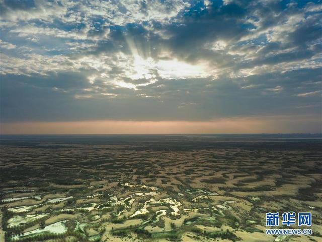 天空之眼瞰库布其沙漠