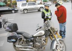丰南对摩托车涉牌涉证查处不留死角