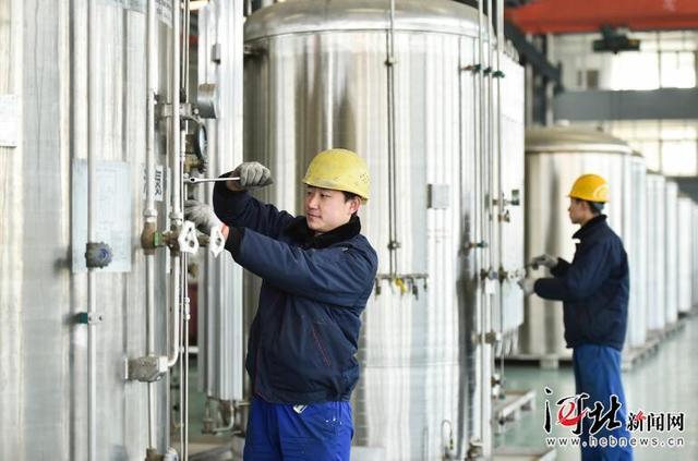霸州市大力发展战略性新兴产业和现代服务业