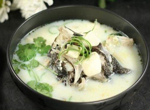 """""""一碗生姜草鱼汤"""