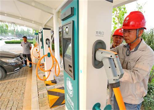 2017年建360个充电桩 到2017年,秦皇岛市区(县)的充电站将达到53座