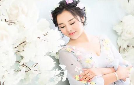 """建材女企业家刘梅:用爱丈量 """"益""""路有你"""