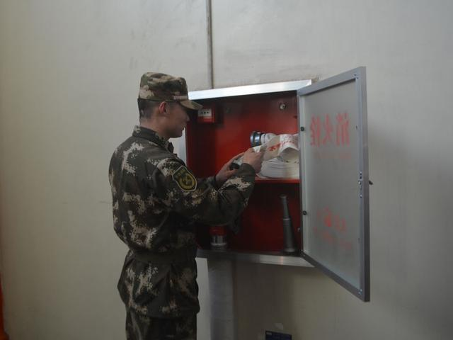 昌黎中队深入辖区重点单位开展六熟悉演练工作