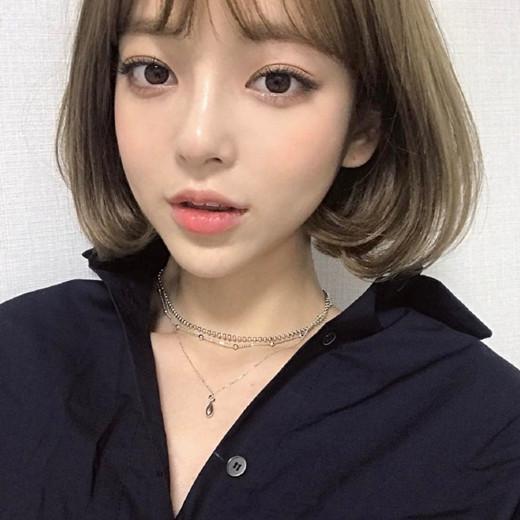 2018流行什么发型颜色:奶茶色 发型类型:齐肩短发图片