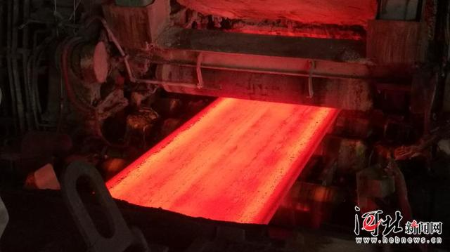 全球首卷2000MPa级薄板坯流程热成型汽车钢在河钢下线