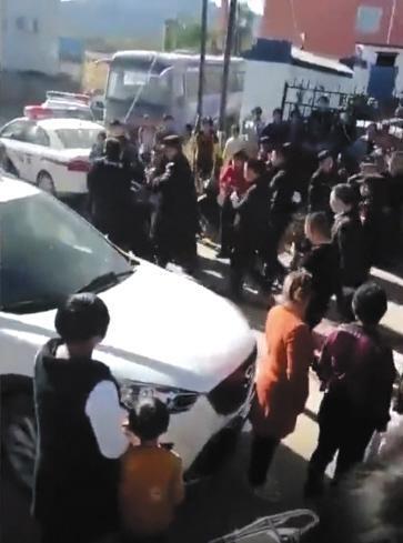 逛小卖部暴露行踪 辽宁两越狱犯落网