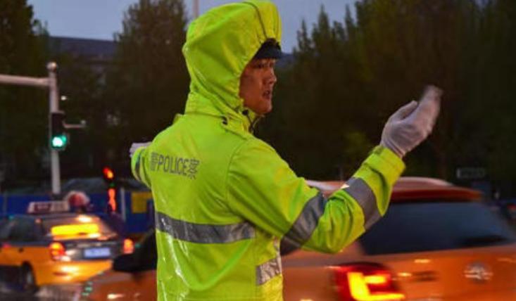 河北省发布夏伏天气安全行车预警提示