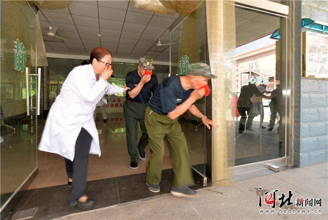 石家庄:增强自救技能 疗养院里举行消防演练
