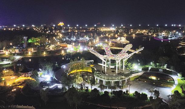 万千灯盏点亮衡水园博园:流光溢彩美如画