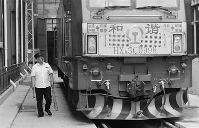 我家五代火车驾驶员见证了中国快度