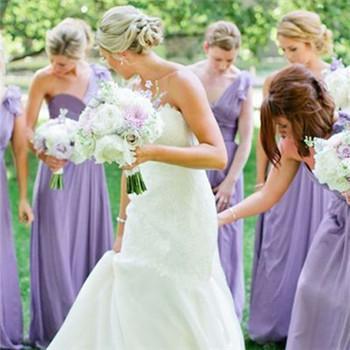 结婚当天伴娘服选什么颜色合适 伴娘礼服的挑选