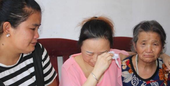 河北:母亲被拐35年 再相见母女相拥而泣