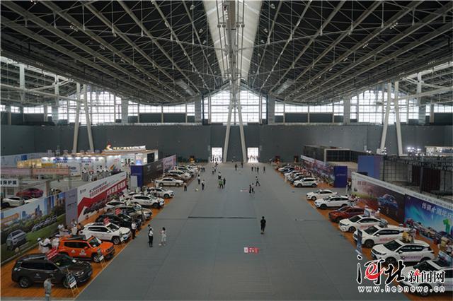 """""""中国建筑奇迹之旅""""走进石家庄国际会展中心"""