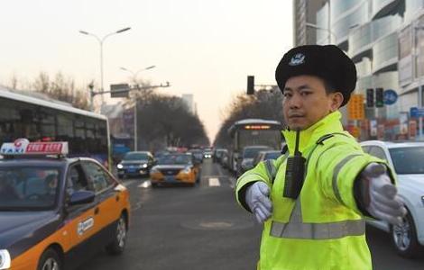 唐山市交警支队确保全市道路交通平稳畅通