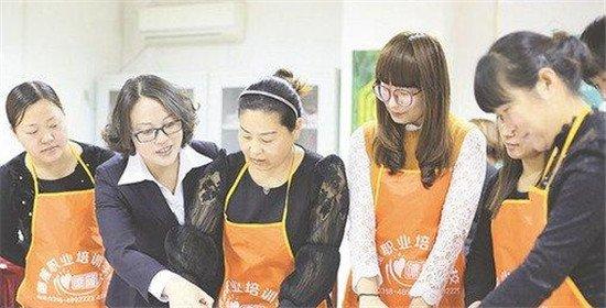 衡水市阜城县职业培训助力两万多贫困农民脱贫