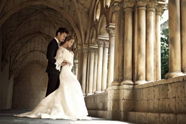 2,欧美奢华风 风格描述:浓郁,经典的欧式元素在婚纱照创作中流行已久图片