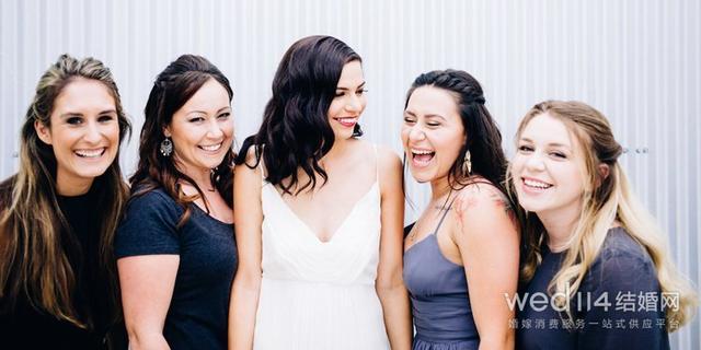 伴娘不能比新娘高吗 伴娘什么颜色的衣服最合适