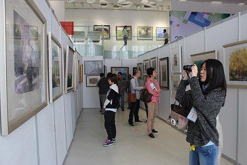 安徽省首届画廊精品联展在中环艺术馆开幕图片