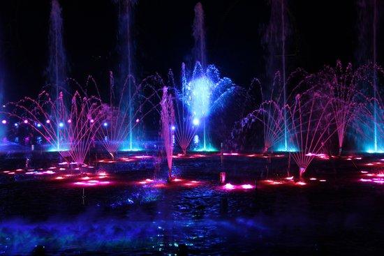 高潮流很多水粘稠图片_关键是 视觉:彩焰腾空,光影变幻,水火熔融 听觉:节奏激昂,高潮迭起
