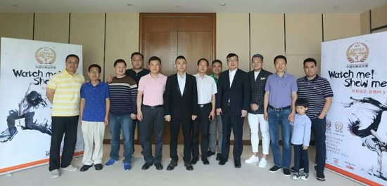 (左起):蓝旭、任一龙、吴一一、左峤、张华伟、夏锐、李众、夏宇、孙明章、宫岩、王京、董建勇