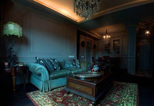 五金,以及线板,浮雕木地板,增添欧式古典氛围.