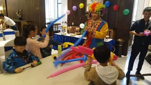 缤纷气球DIY礼遇烙画筷 东正·颐和府与您共度高兴周末