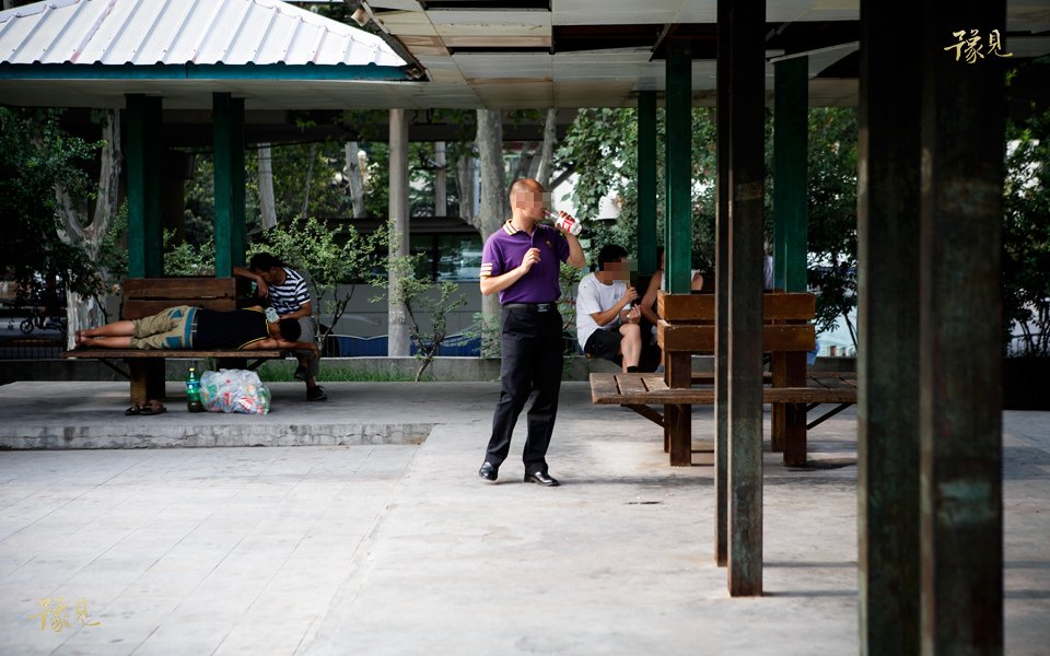 豫见第十三期:走近郑州同性恋酒吧14