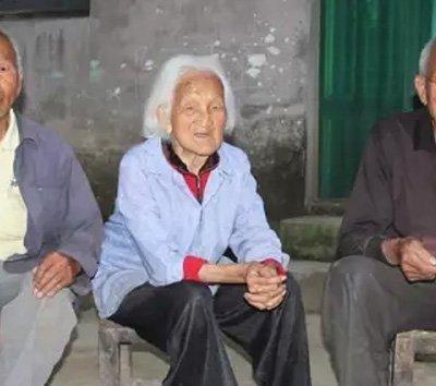 郑州103岁老人还能擀面条 看看有哪些长寿秘诀